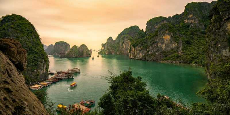 Ha Long Bay, Hanoi
