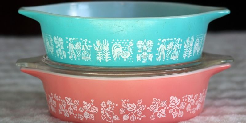 Vintage Pyrex Dishes and Cookware
